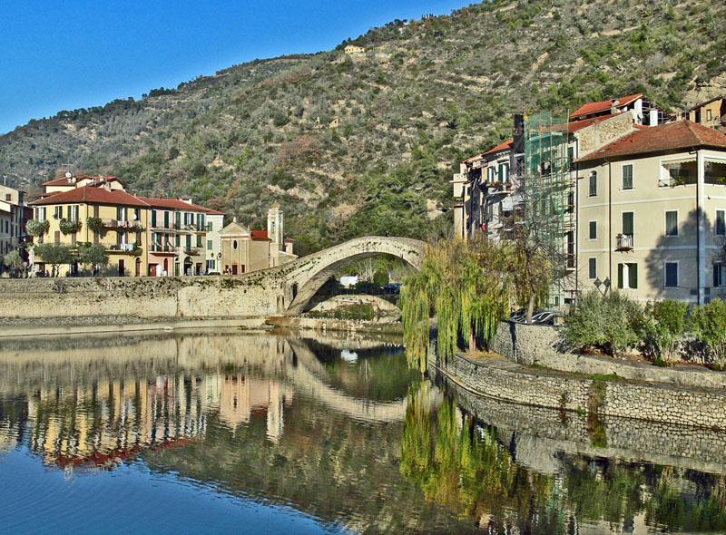 Dolceacqua - Ancora il Ponte del Diavolo.