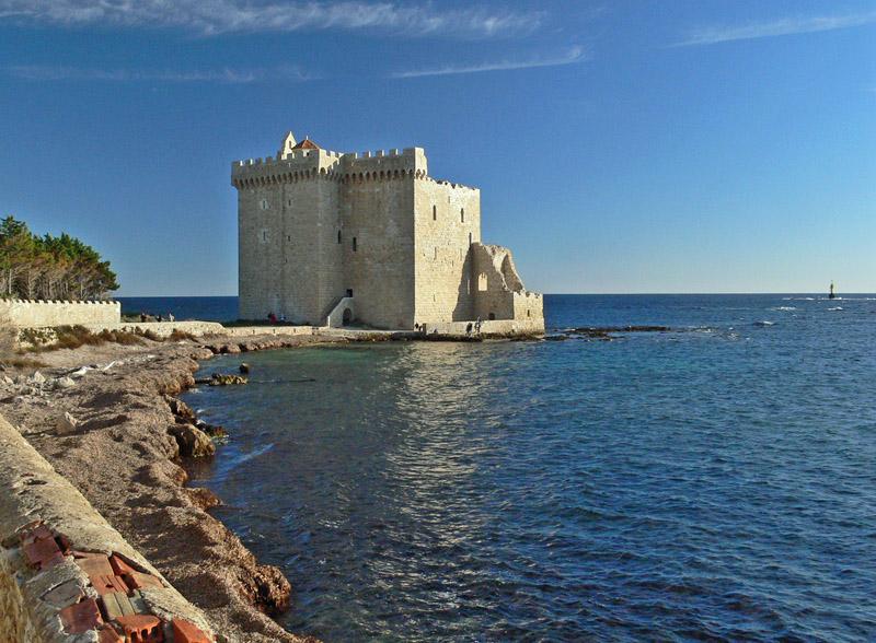 Isola di        - La Fortezza sul mare.
